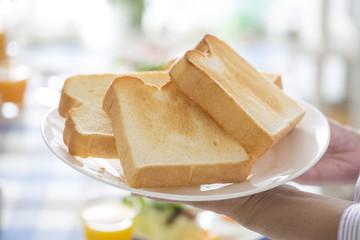 モスバーガーの食パン|販売店舗や予約方法!売り切れ?買えない?